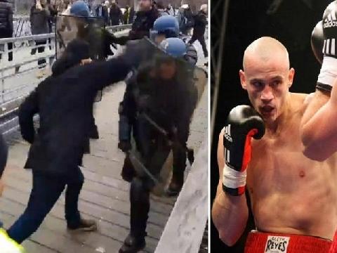 Bạo động tại Pháp, cựu võ sĩ Boxing một mình đẩy lùi cả cảnh sát!