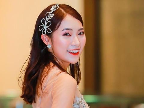 ''Hot girl ngoại ngữ'' Khánh Vy tự đàn hát ca khúc 4 giờ sáng hay lịm tim
