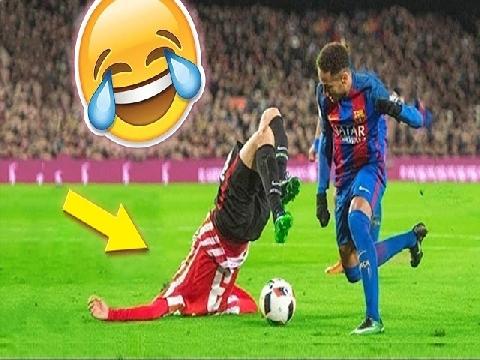 Các khoảnh khắc hài hước của bóng đá thế giới năm 2018 (P5)