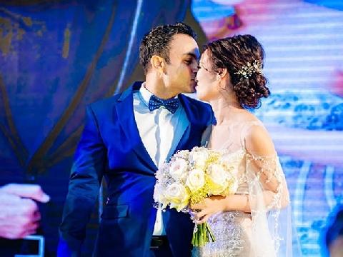 Võ Hạ Trâm và chồng song ca siêu ngọt trong đám cưới lộng lẫy