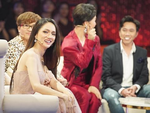 Hương Giang ngồi ghế nóng ''kén chồng'', dàn sao V-biz hùng hậu làm mối