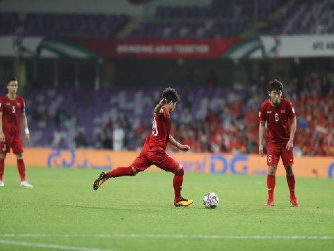 'Siêu phẩm' sút phạt của Quang Hải vào top 10 bàn thắng đẹp nhất Asian Cup