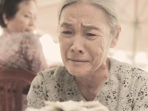 [Phim ca nhạc] Đuổi mẹ già ra đường và cái kết ''mặn đắng''