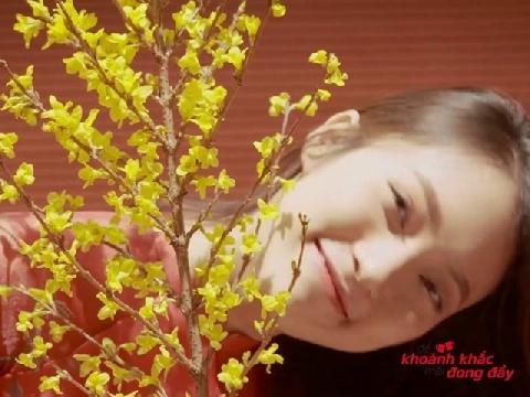 Hot girl ngoại ngữ Khánh Vy cover nhạc xuân khiến mọi con tim đều xao xuyến