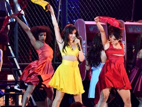 Bản live Havana sexy không thể rời mặt tại lễ trao giải GRAMMYs lần 61