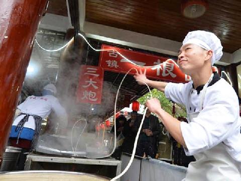 Top 10 pha biểu diễn chất lừ của các siêu đầu bếp