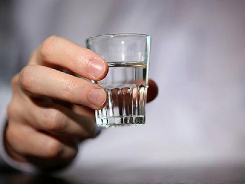 7 loại thực phẩm mà trước khi uống rượu bạn nên ăn