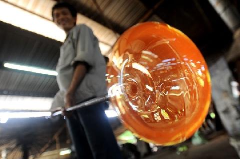 ''Đã con mắt'' với nghệ thuật thổi thủy tinh