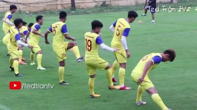 Thầy Park cho ĐT U23 Việt Nam tập luyện như nhảy Disco