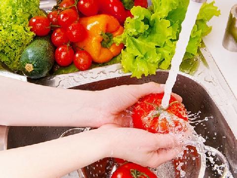 Mẹo rửa rau củ quả an toàn và đúng cách