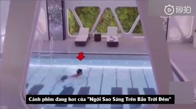 Hoàng Tử Thao: Đóng cảnh bơi lội vẫn quyết không làm tóc ướt vì sợ xấu!