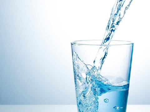 Hãy uống nước ngay sau khi ngủ dậy!