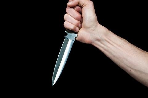 Rùng mình cảnh 2 tên trộm vác dao đi lấy cắp xe máy lúc nửa đêm