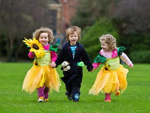 Vì sao trẻ em luôn hạnh phúc hơn người lớn?