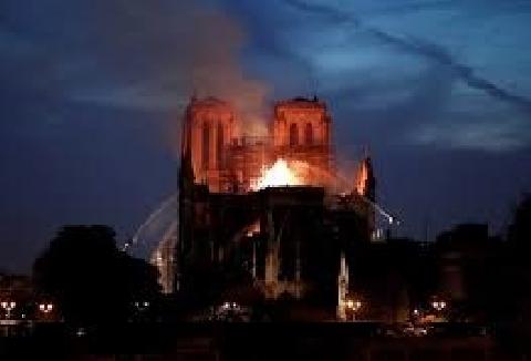 Những phần bị hư hỏng của nhà thờ Đức Bà Paris sau hỏa hoạn