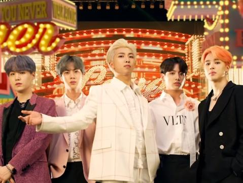 BTS - ''ông hoàng'' đã ra hit là khiến thế giới chao đảo