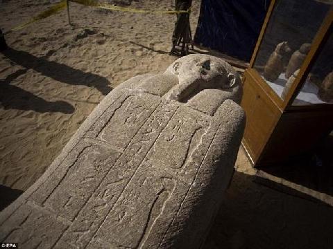 Bên trong ngôi mộ 4.400 năm tuổi mới được khai quật tại Ai Cập
