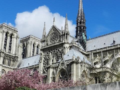Nhà thờ Đức Bà Paris và những dấu ấn khó phai