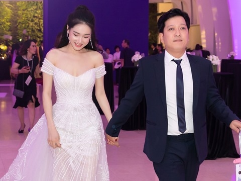 Trường Giang - Nhã Phương lần đầu xuất hiện cùng nhau sau đám cưới