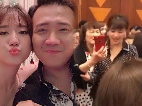 SỐC: Hari Won bị tố chảnh chọe, không chụp hình với fan lớn tuổi vì không mua CD