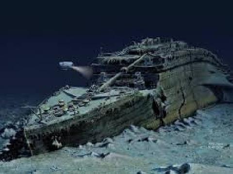 Bỏ 40 USD tham quan tàu ma kinh dị, nối liền với thế giới khác