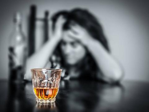 Tại sao bạn bị say khi uống rượu