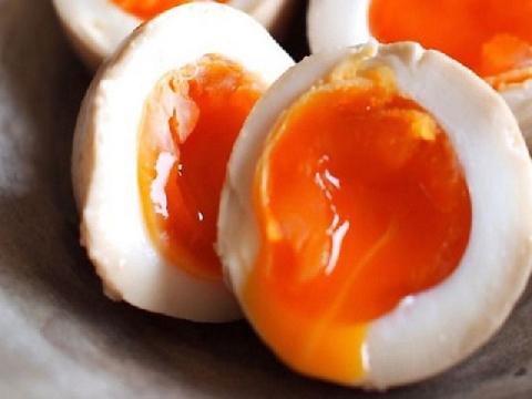 Công thức luộc trứng lòng đào như nhà hàng 5 sao