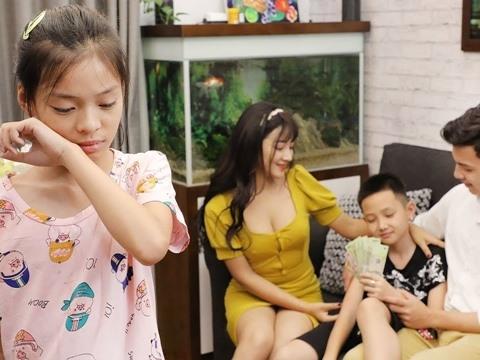 Bố Ruột Tin Lời Mẹ Con Dì Ghẻ Đuổi Con Gái Ra Khỏi Nhà Và 20 Năm Sau