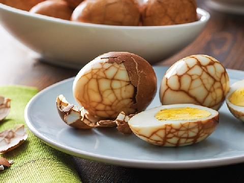 Trứng ngâm trà - món ăn của thịnh vượng