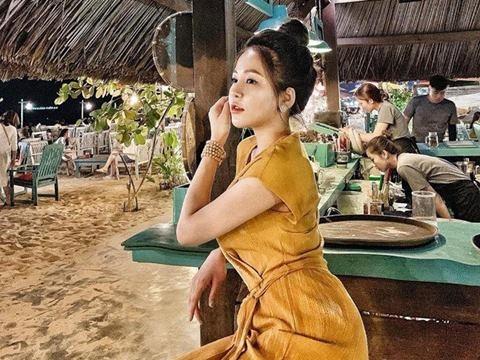 Hotgirl Trâm Anh trở lại showbiz sau 3 tháng lộ clip nóng