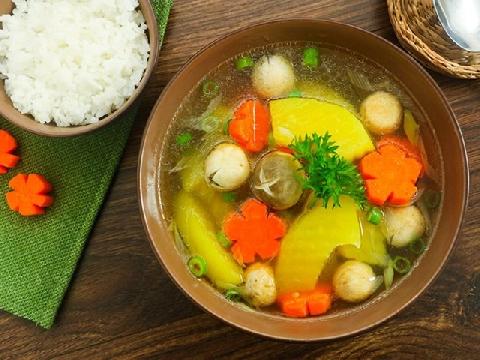 Món ăn chay bổ dưỡng: đu đủ hầm nấm rơm