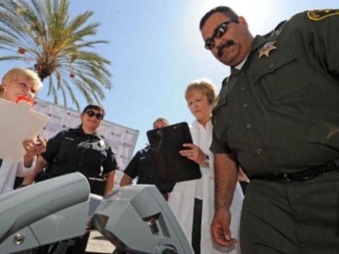 Chuyện như đùa: Thưởng nóng cho cảnh sát... giảm béo thành công