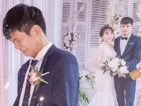 Chú rể khóc trong đám cưới vì cuối cùng cũng lấy được vợ