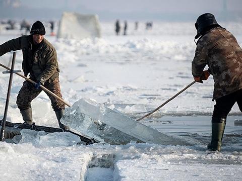 Đi trên sông băng như thế nào cho an toàn