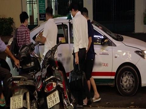 Hà Nội: Nhà hàng kèm dịch vụ đưa khách về nhà sau khi nhậu