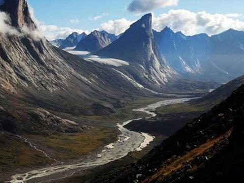 Bí ẩn đỉnh núi dốc nhất thế giới
