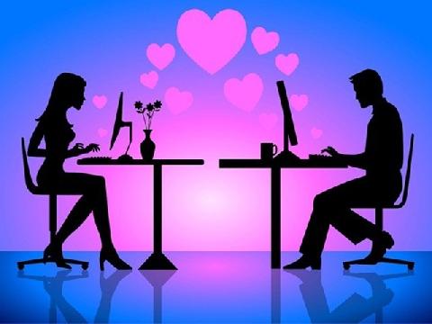 Dịch bệnh khiến hẹn hò qua mạng trở nên đắt hàng