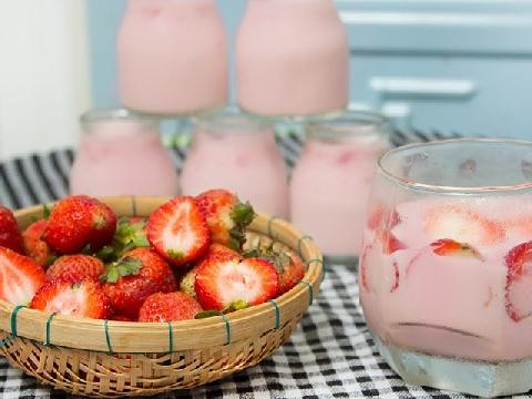 Làm kem tại nhà dễ dàng với yaourt hoa quả