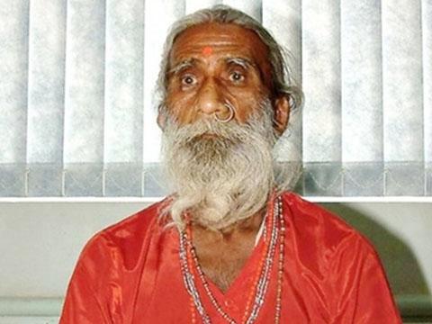 Kinh ngạc tu sĩ Ấn Độ 80 năm sống nhờ 'khí trời'