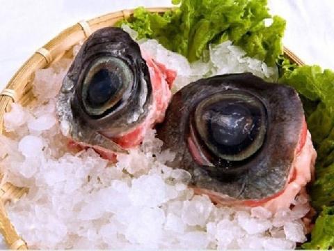 Kinh dị như cỗ lòng cừu, nhãn cầu cá ngừ và khash dish