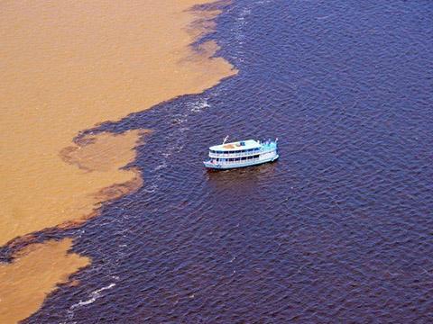 Kỳ lạ nơi nước biển không thể ''hòa hợp'' được với nhau