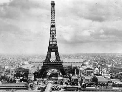 Tháp Eiffel và câu chuyện ma ám ít người biết