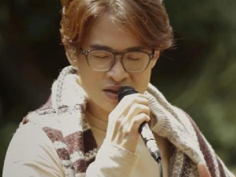 Hà Anh Tuấn như lãng tử mùa đông, hát live ''Khúc Hát Chim Trời'' hay đứng tim