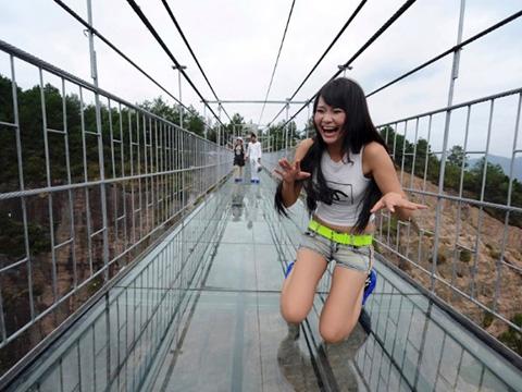6 cây cầu kính không dành cho người yếu tim ở Trung Quốc