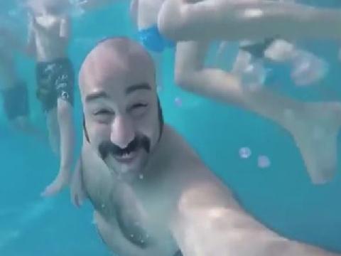 Lỗi tại bể bơi